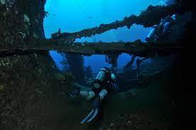 saliendo del profundo azul